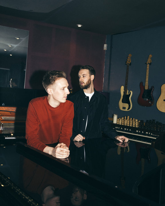 Medium honne tour press foto credit charlie cummings